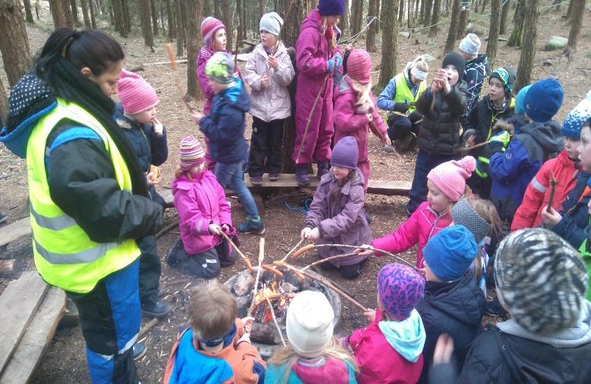 Steinerskole barn i naturen